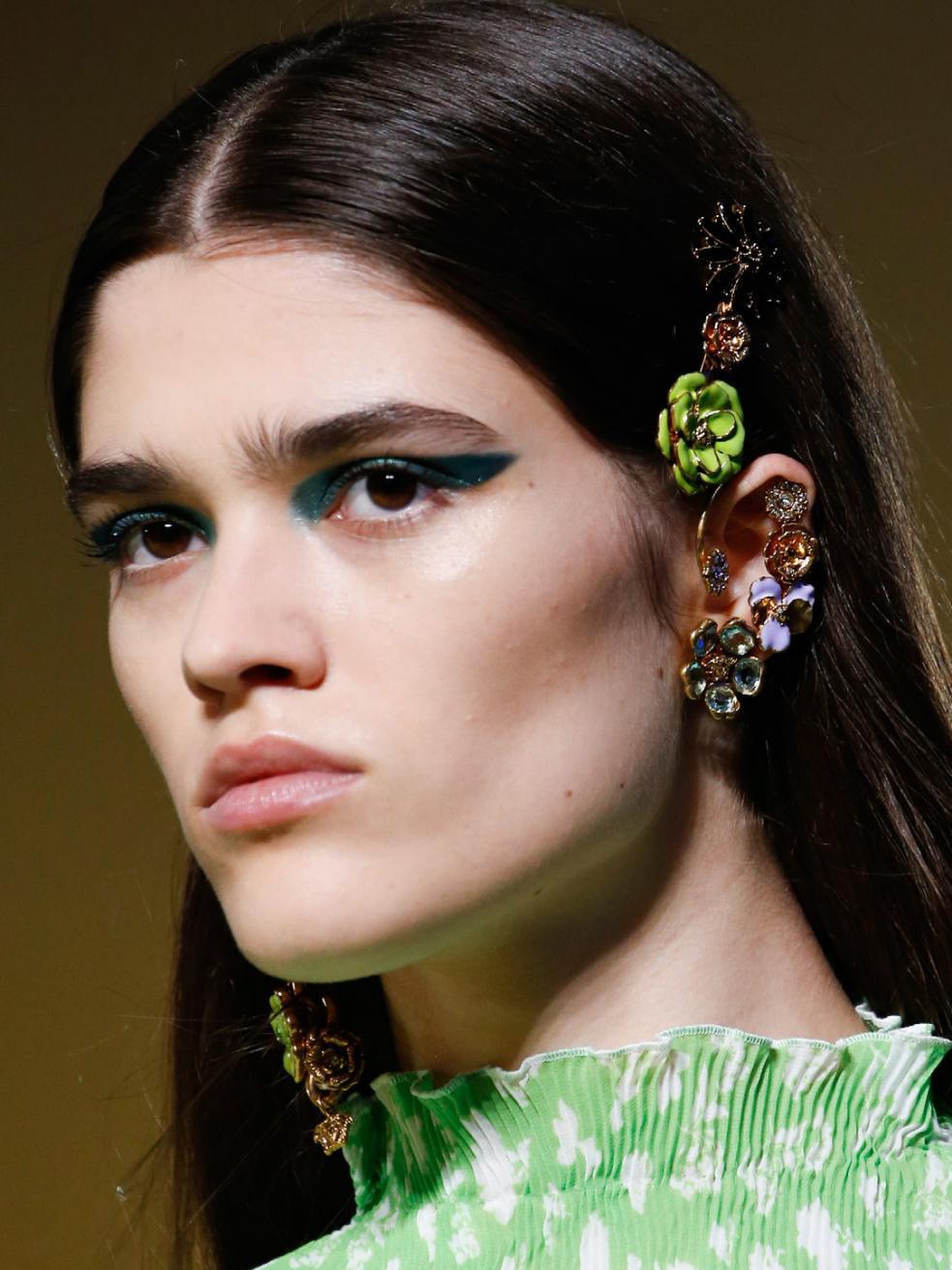 peinados con accesorios de fiesta 2020