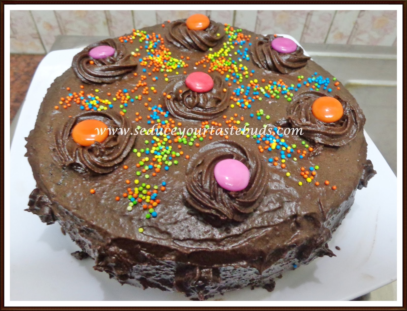 Eggless Chocolate Cake with Chocolate Frosting - Seduce Your ...