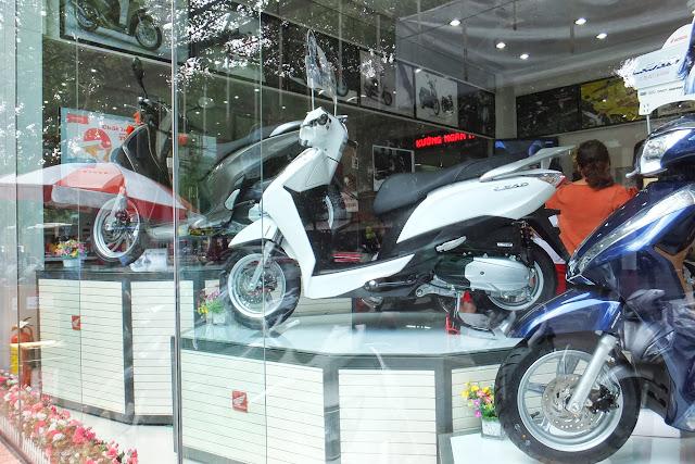 ベトナムホンダのバイク Vietnam Motorbike by Honda