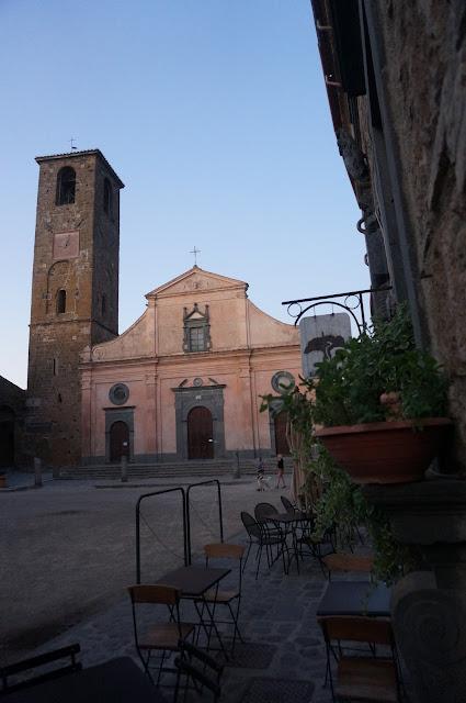 Civita di Bagnoregio e la sua chiesa