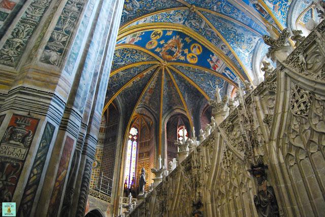 Interior de la catedral de Albi, Francia