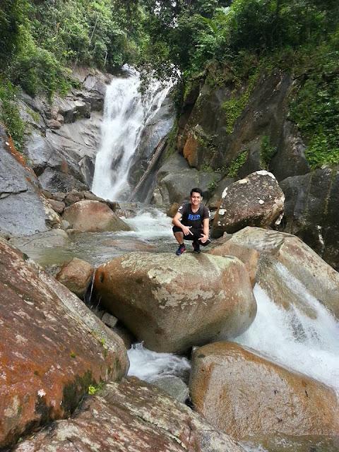 jangkar-waterfall-lundu-sarawak-lunduk