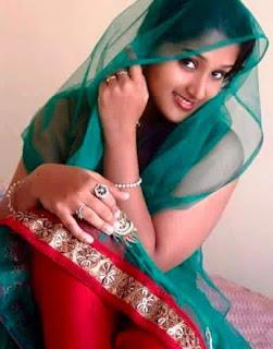 charming women pic, cute smile girl pic