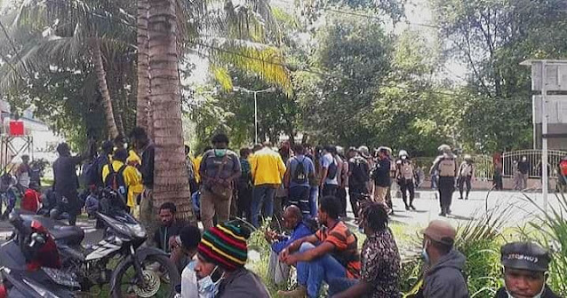 Tak Kantongi Izin, Aksi Demo Tolak Otsus Jilid II di Jayapura Dibubarkan, 23 Orang Diamankan