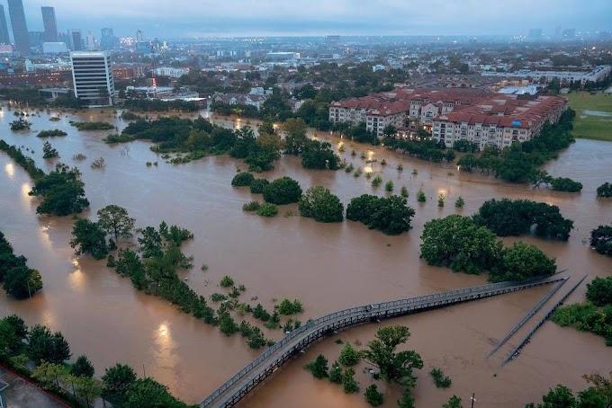 Ordenan evacuar a 50 mil personas en Houston por Harvey