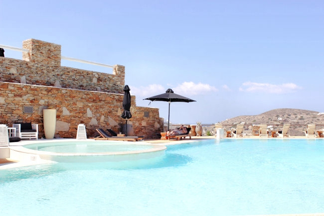 best honeymoon hotels in Greece