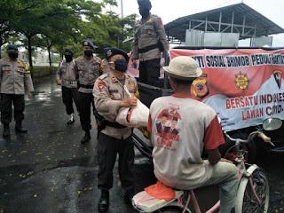 Bhakti Brimob Untuk Masyarakat, Pembagian Sembako