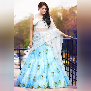 crop top lehenga with dupatta