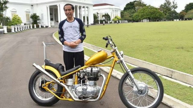 HNW; Solidaritas Ulama Muda Jokowi 'Kok Gak Ada Tampang Ulamanya'