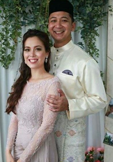 Pelakon cantik, Siti Saleha telah selamat bergelar isteri.