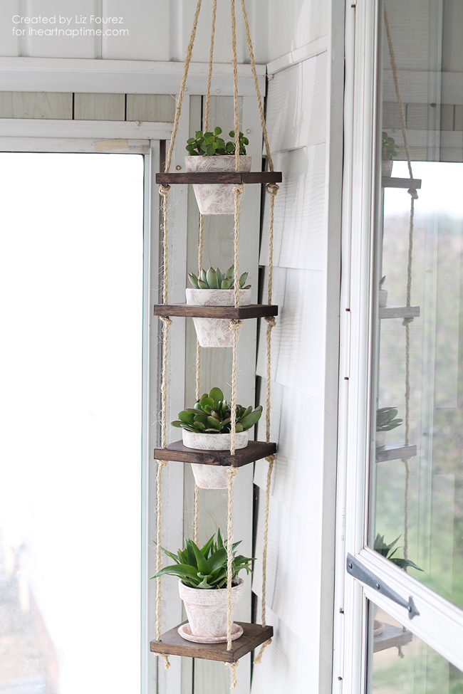 how to decorate a little corner with a plant hanger