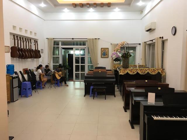 Học nhạc cụ tại trường nhạc SMS