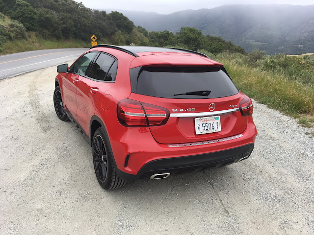 Rear 3/4 view of 2017 Mercedes-Benz GLA 250 4MATIC