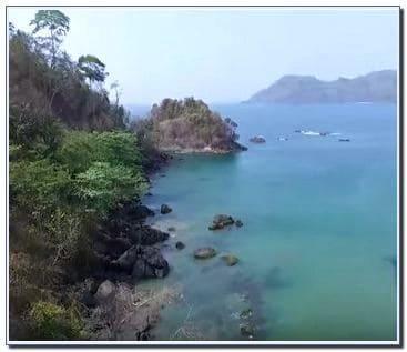 Pantai Lenggoksono di Malang