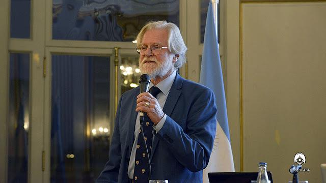 El arqueólogo británico Barry Kemp fue distinguido como huésped de honror por la Legislatura Porteña