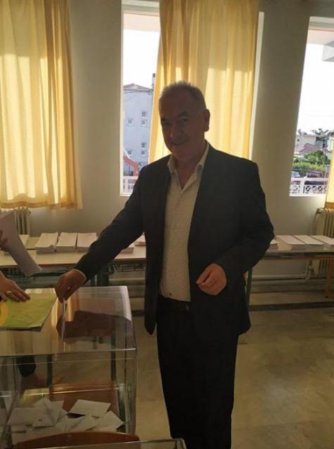 Πρέβεζα: Άσκησε το εκλογικό του δικαίωμα ο υποψήφιος Δήμαρχος Πρέβεζας Ευάγγελος Ροπόκης