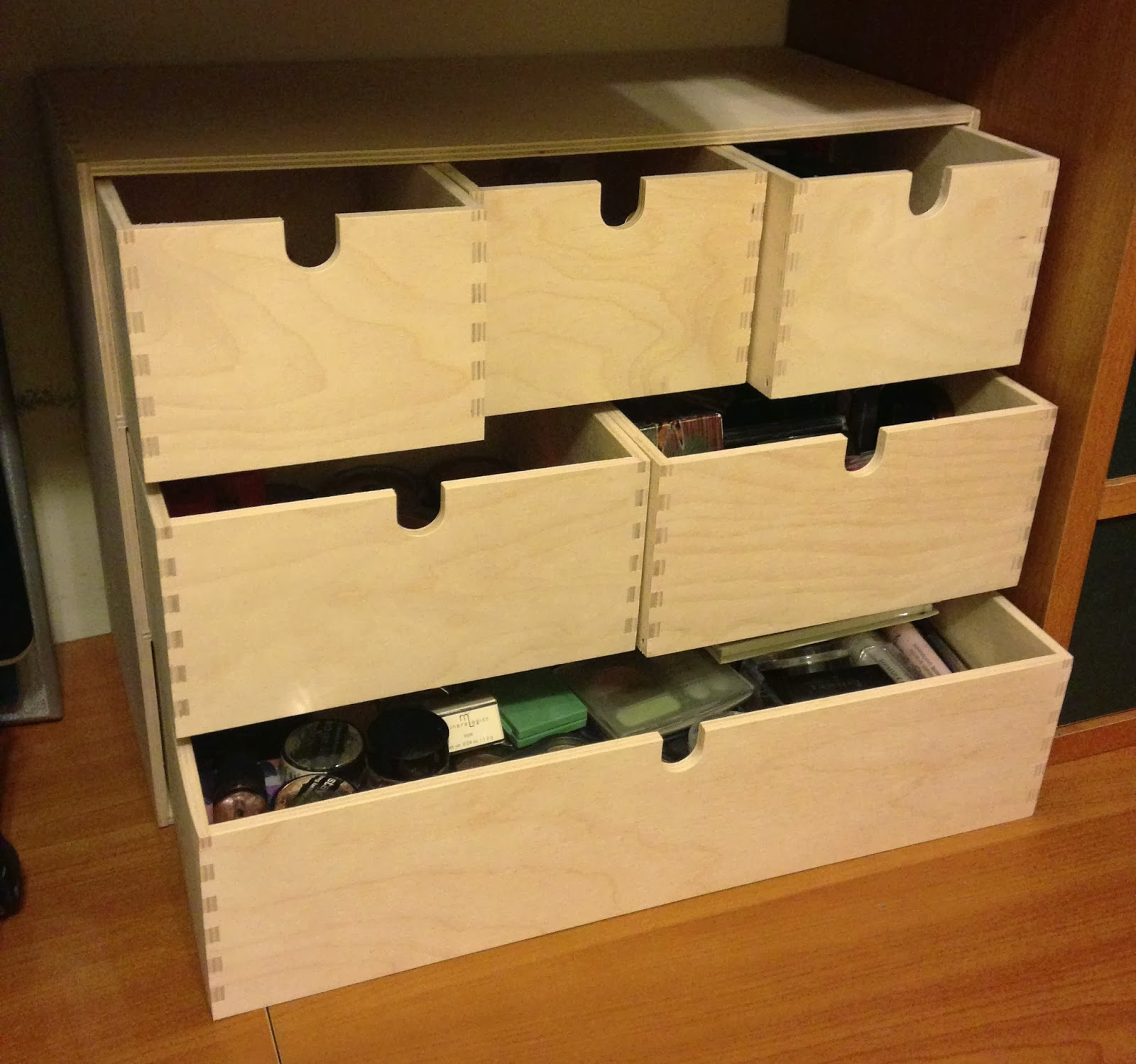 substance for belle.: makeup collection storage