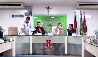 Pedido de afastamento do prefeito Zenóbio por 30 dias chega à Câmara de Guarabira