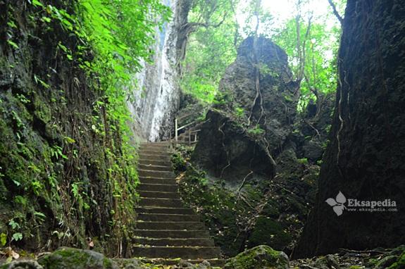 Goa di Kendal Jawa Tengah