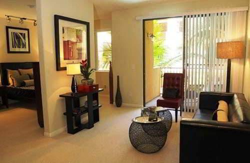 Desain Ruang Tamu Minimalis dan Ruang Keluarga