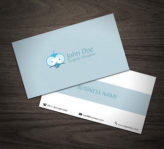 Arkası açık mavi renkli, ön ortasında yatay açık mavi renkli bir şerit olan kartvizit