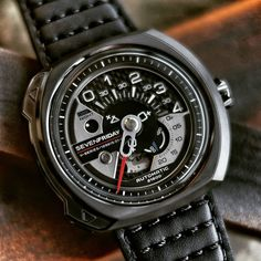 SEVENFRIDAY V3-1 V-Series