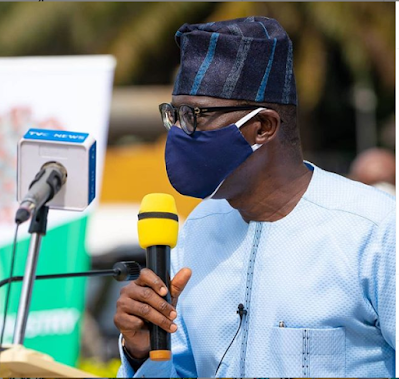 Sanwo-Olu gave order to switch off Lekki tollgate billboard- Tinubu
