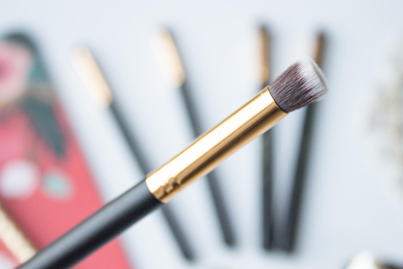 BH Cosmetics Sculpt & Blend Small Flat Blending Face Brush