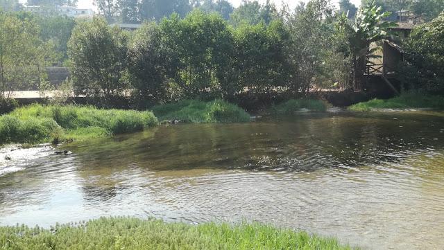 Piscina Fluvial pouco profunda