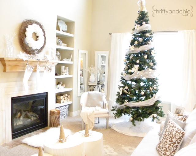 白色圣诞节客厅装饰