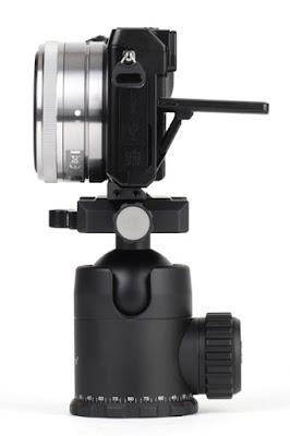 SONY NEX-7+Sunwayfoto PS-N7 on  FB-44 ball head - side