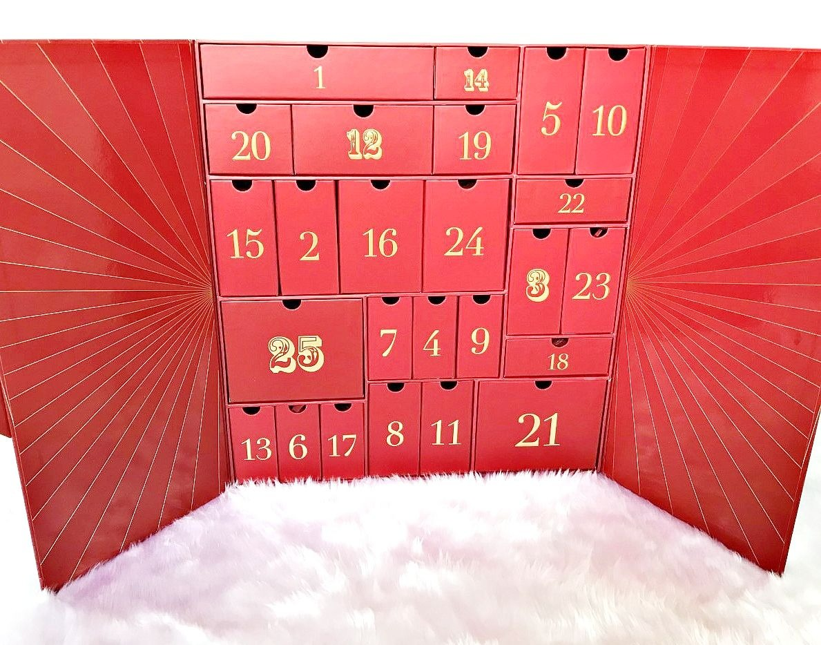 Lookfantastic Advent Calendar 2018 Review & Contents