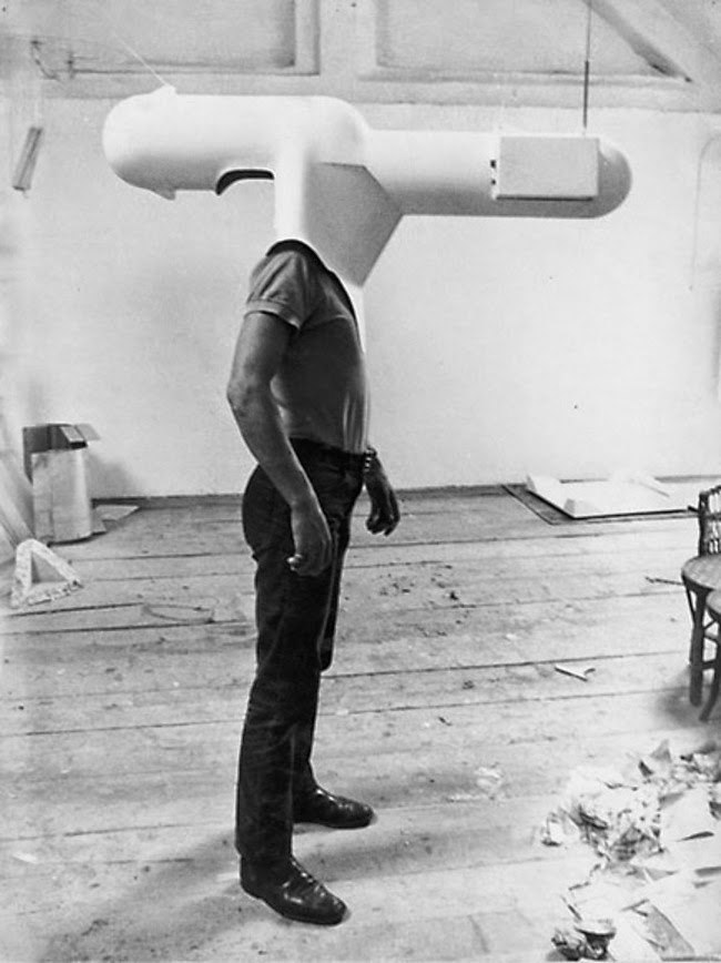 24 Rare Historical Photos That Will Leave You Speechless - A portable TV concept created in 1967.
