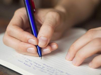Pengertian dan Jenis-Jenis Sudut Pandang dalam Teks Cerpen