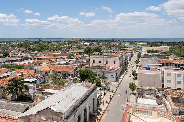 Vue sur Cienfuegos depuis la coupole du Palacio de Ferrer