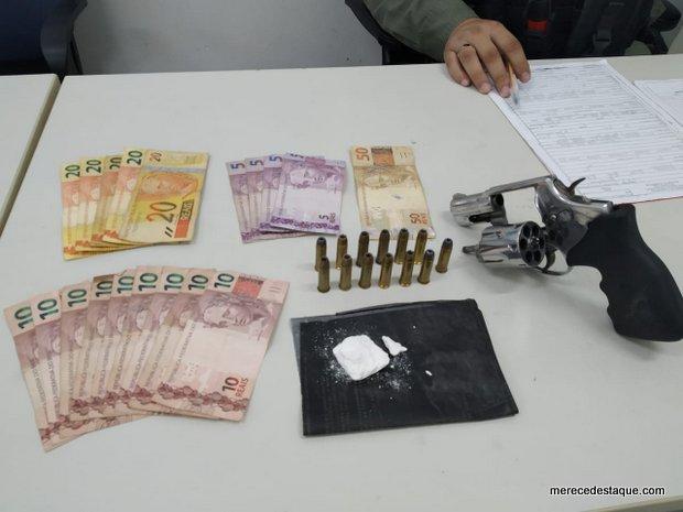 Policiais do GATI apreendem arma e drogas no Distrito de São Domingos, em Brejo da Madre de Deus