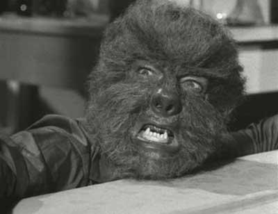 Lon Chaney Jr como Hombre Lobo en La Casa del Terror