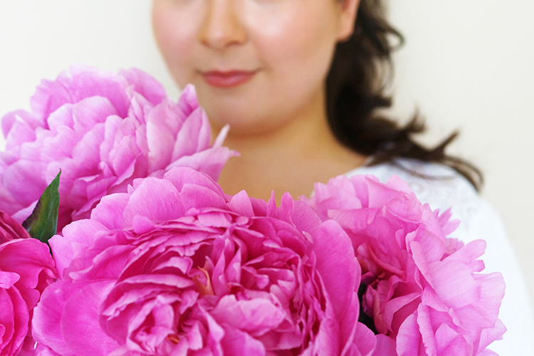 peonies-heat-proof-makeup-barely-there-beauty