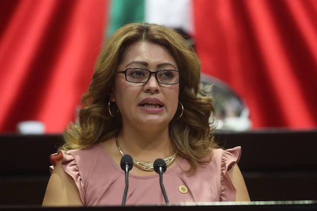 Urge un aumento salarial del 100% al personal médico y de enfermería: Ana Karina Rojo