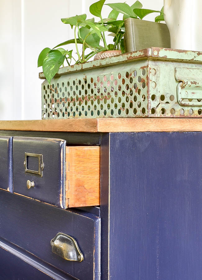 Dovetail drawers on industrial chest