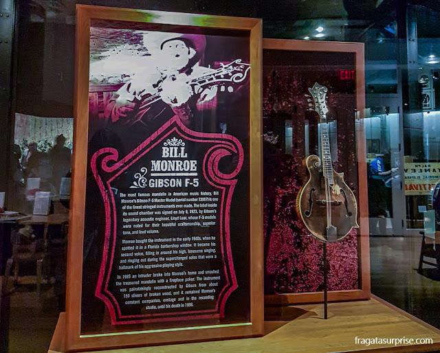 bandolim de Bill Monroe, pai do Bluegrass, no Country Music Hall of Fame de Nashville