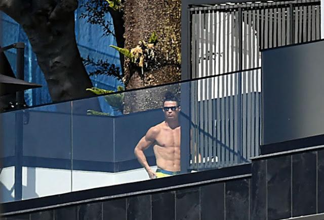 Ronaldo bị chê kém Messi, bạn gái nhận chỉ trích vì trốn cách ly Covid-19 5