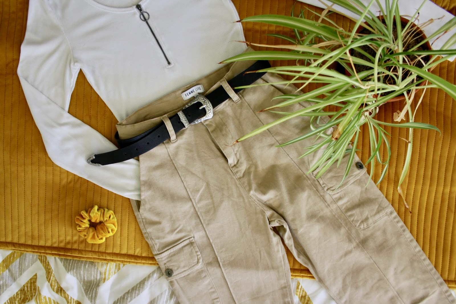 Femmeluxefinery.co.uk stone cargo slim fit trouser
