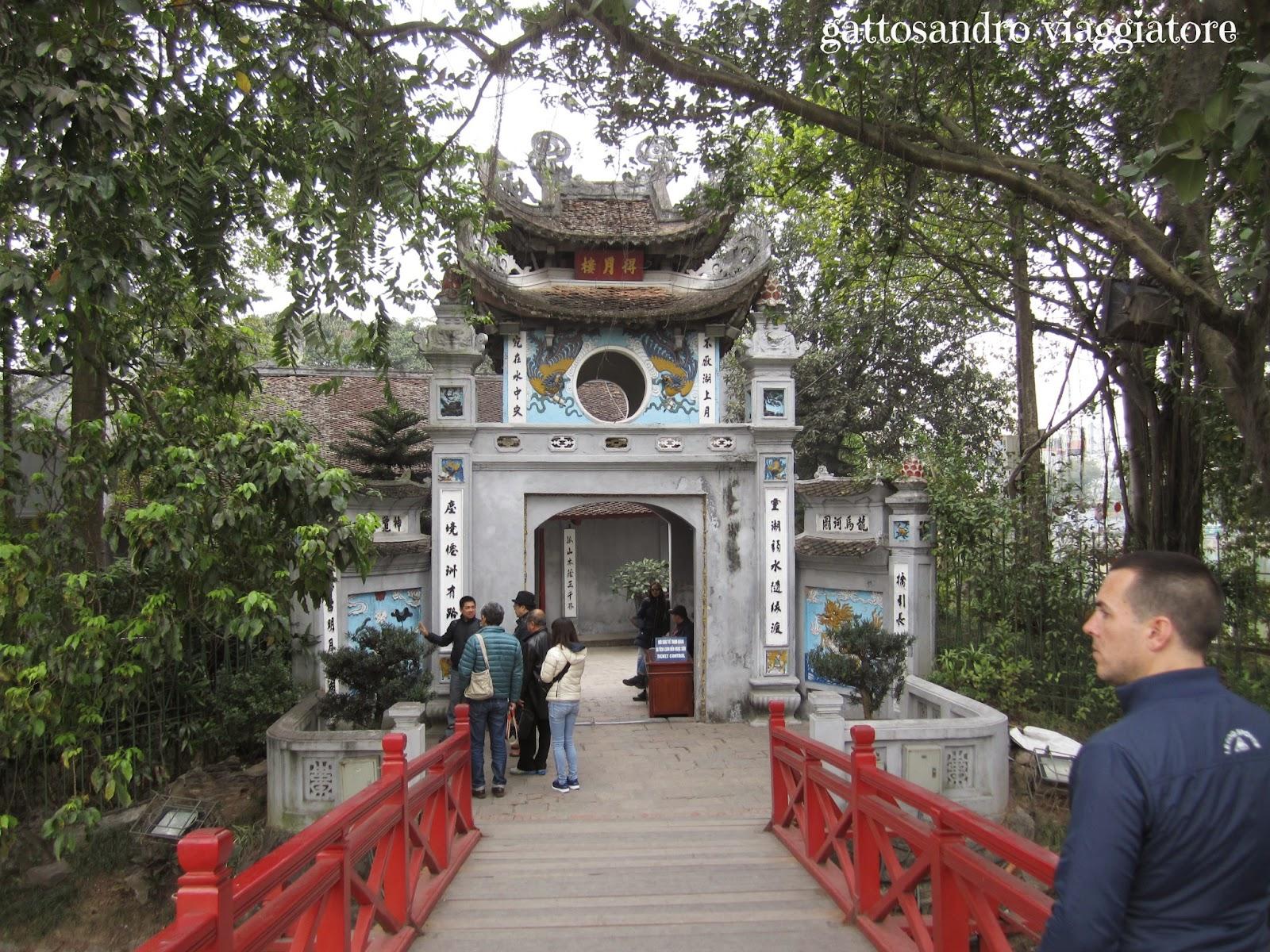 Hanoi - il tempio sul lago