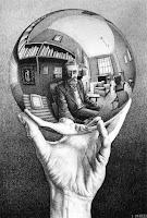 Mão com Esfera, de M. C. Escher (1935)