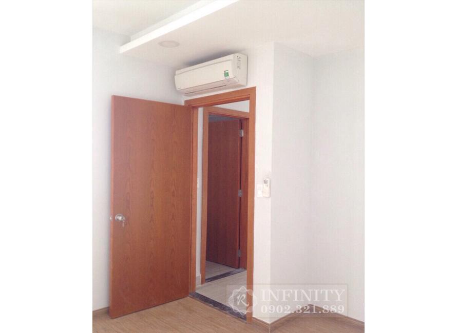 Bán căn hộ Everrich Infinity nội thất cơ bản - vào phòng ngủ
