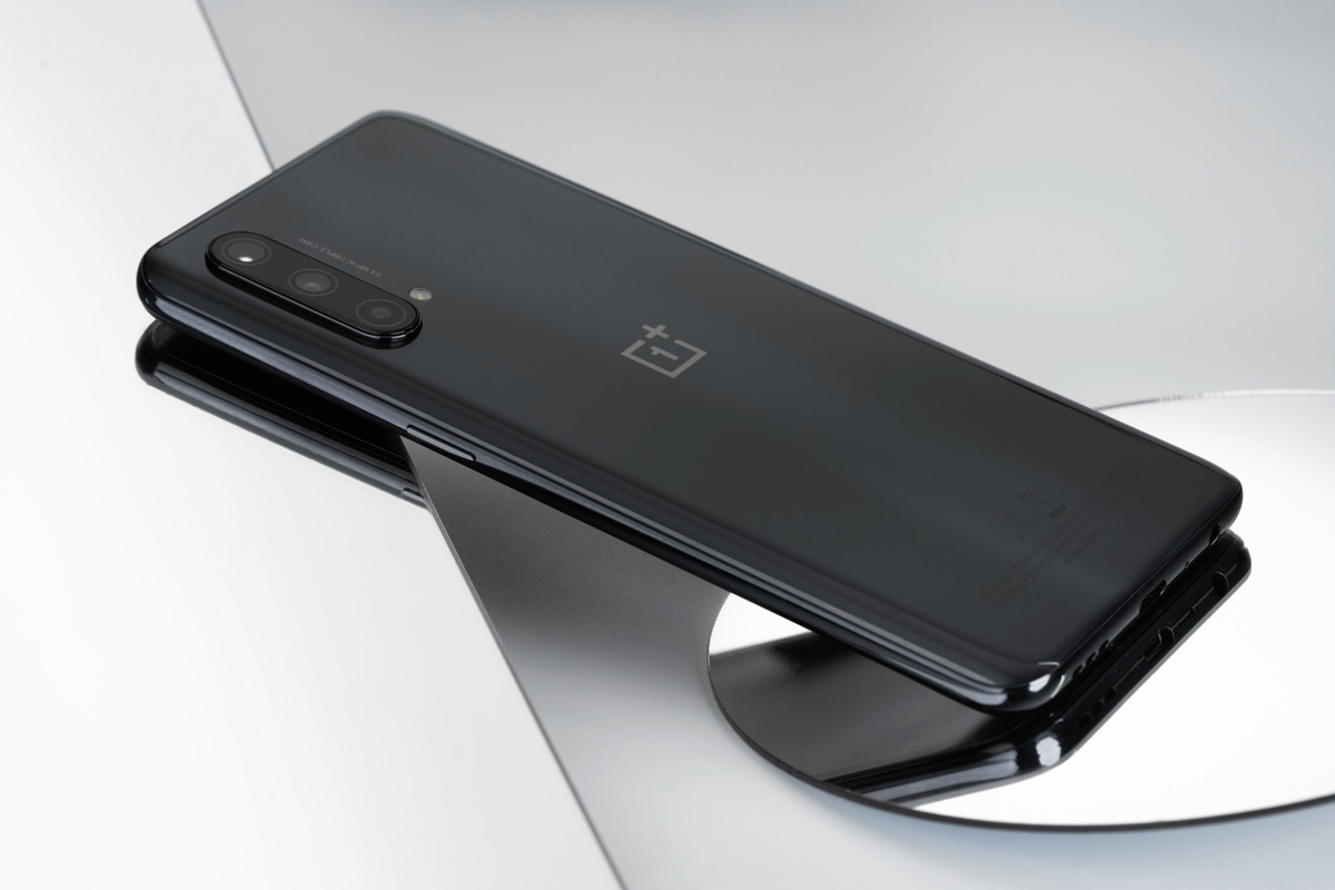OnePlus Nord CE 5G (8,99 triệu đồng)