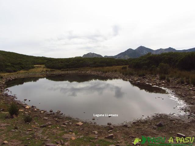 Laguna Llamazu en Somiedo