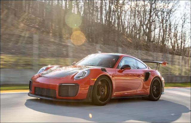 Porsche 911 GT3 and GT2 RS