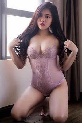 Hot and sexy photos of beautiful booty pinay hottie chick freelance model Kaye Francine photo highlights on Pinays Finest Sexy Photo Collection site.